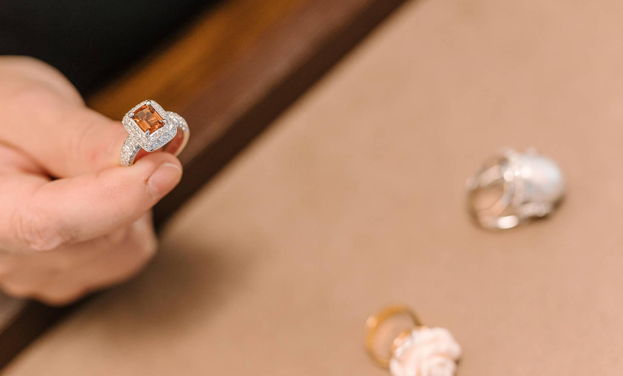 Gioielleria Villa Lissone, gioielli in oro, diamanti e pietre preziose